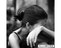 59445258-woman-crying[1]